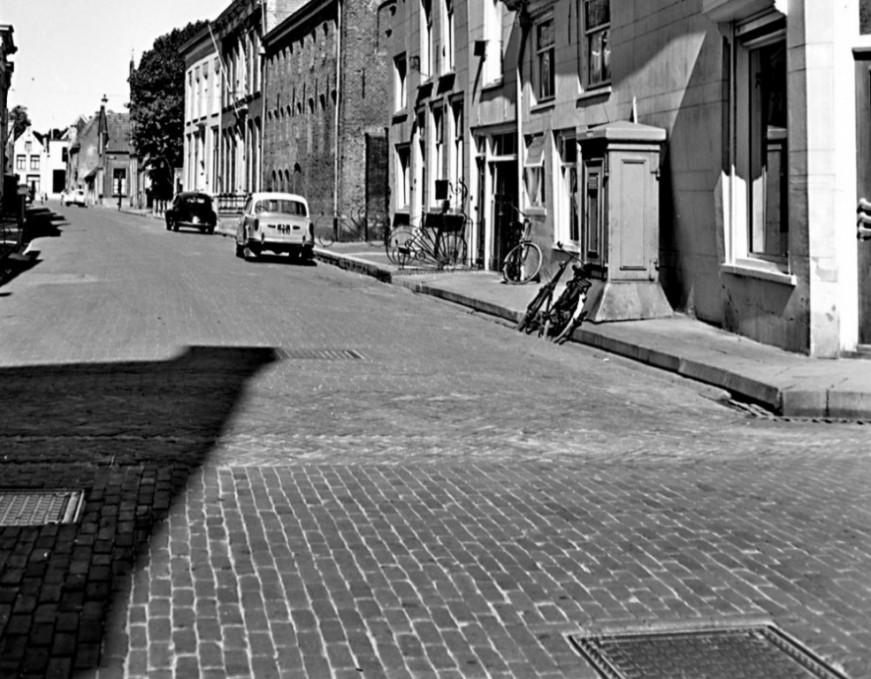 zijkant ruiterstraat 8