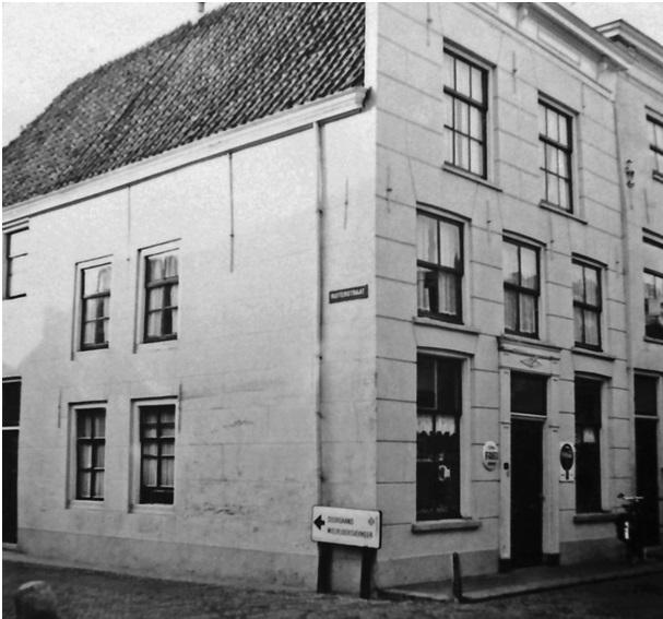 huis op de hoek kerkstraat