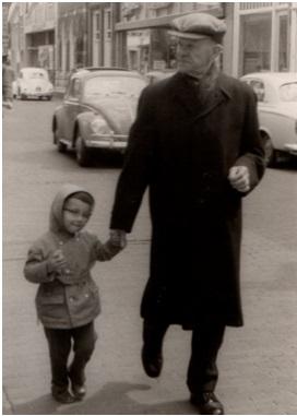 Gijs van Hees sr met kleinzoon