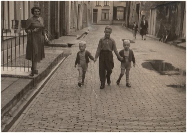 huberta van den heuvel met 3 kinderen