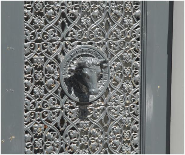 gadget deur met versiering ruiterstraat 15 17